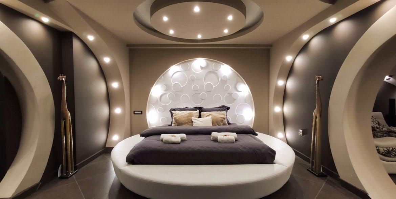 Кинг кревет во апартман Космос - Струмица